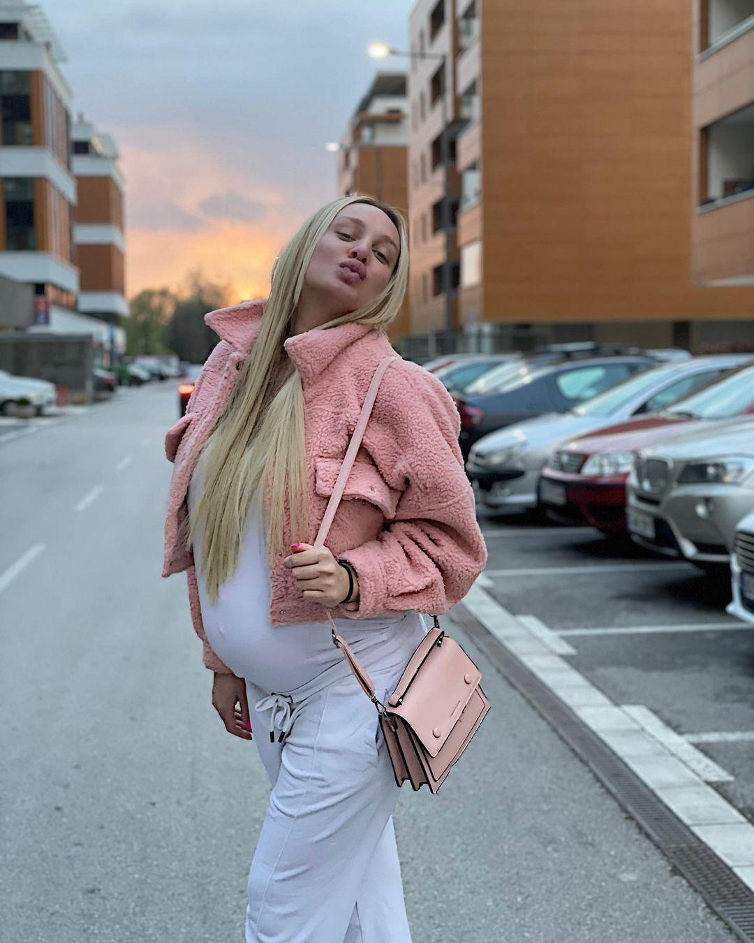Beba samo što nije stigla: Luna Đogani ne prestaje da kupuje sitnice za ćerku!