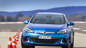 Opel Astra OPC: Golf GTI może się bać
