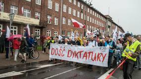 """Manifestacja KOD w Gdańsku. """"Rozliczymy Jarosława Kaczyńskiego"""""""