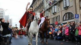 Parada ze Św. Marcinem na koniu, legionistami i kucharzami przeszła przez centrum Poznania