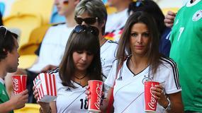 Piękne dziewczyny niemieckich piłkarzy na trybunach