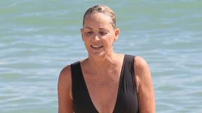 Sharon Stone w stroju kąpielowym. Jak wam się podoba jej 59-letnia figura?