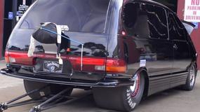 Osiem piekielnie szybkich minivanów