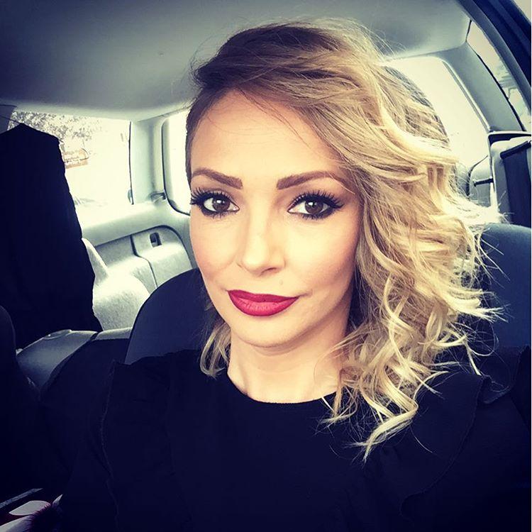 Naša pevačica POSTALA MAJKA PO DRUGI PUT: Evo kog je POLA BEBA i koje ime su odabrali ona i njen muž! (FOTO)