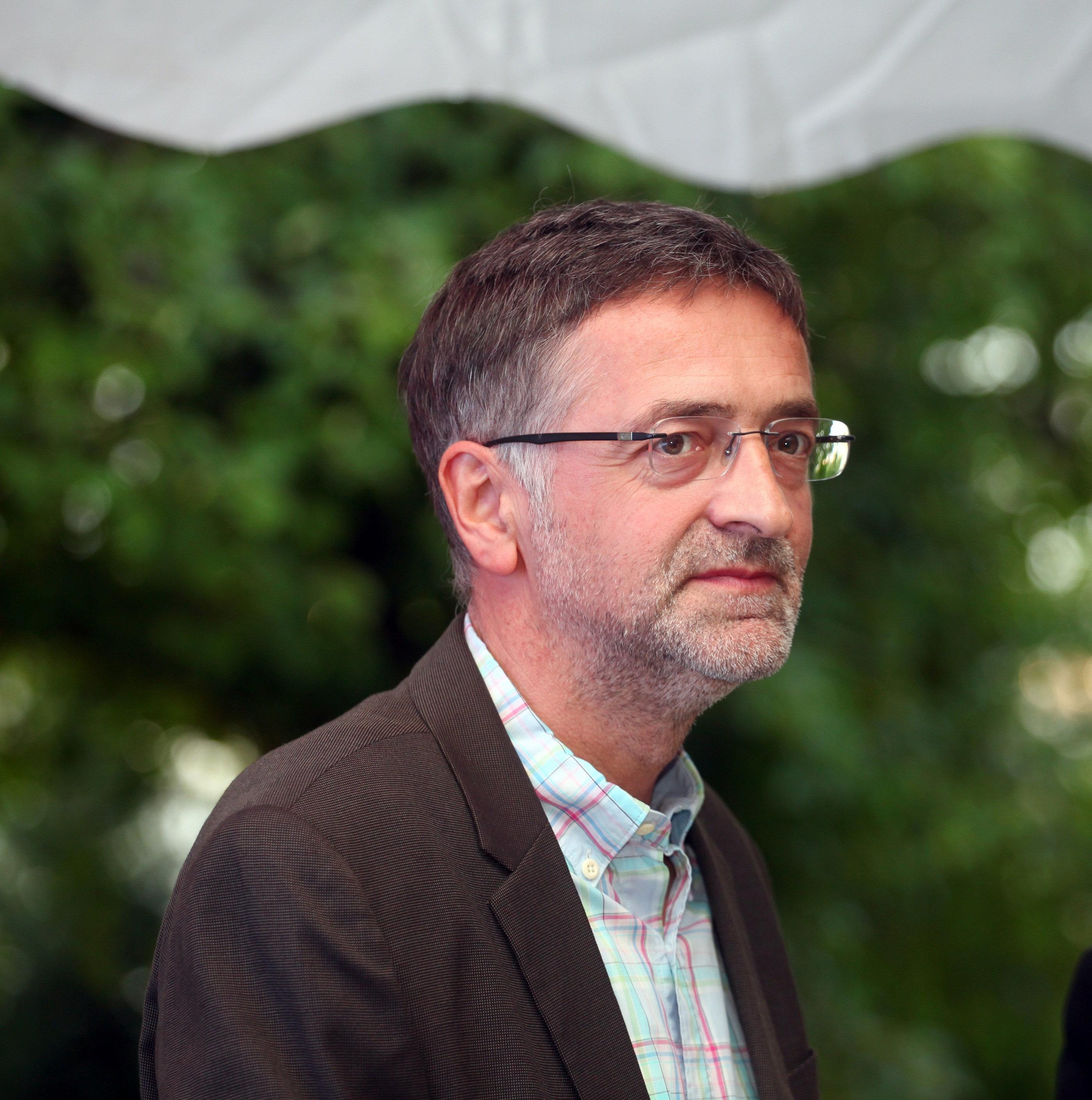 Profesor je na fakultetu: Zoran Cvijanović se retko pojavljuje u javnosti sa suprugom, pogledajte kako ona izgleda! FOTO