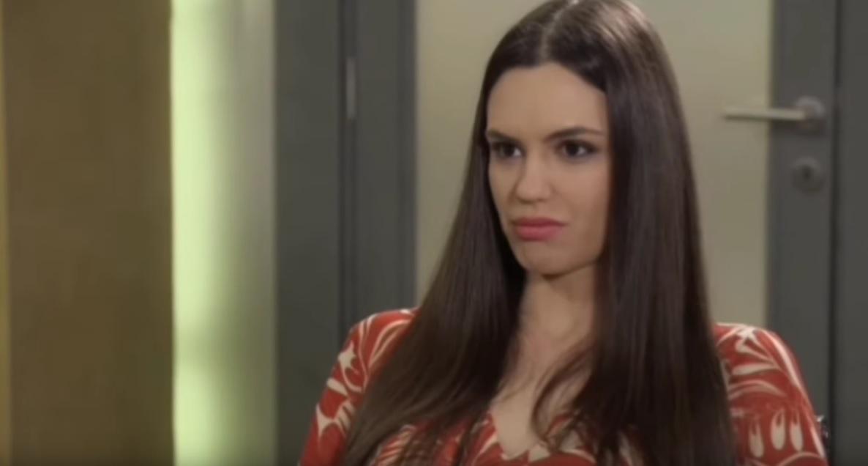Olja Lević je prava LEPOTICA koju gledate svake večeri na Prvoj, a ovo je njena sestra Alisa!