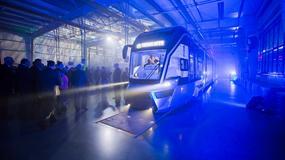 Supernowoczesny tramwaj wozi pasażerów w Poznaniu