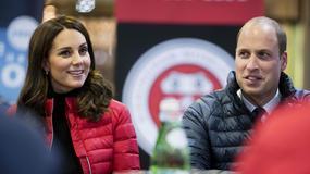 Księżna Kate w ciąży na stadionie piłkarskim. Jak się prezentowała?