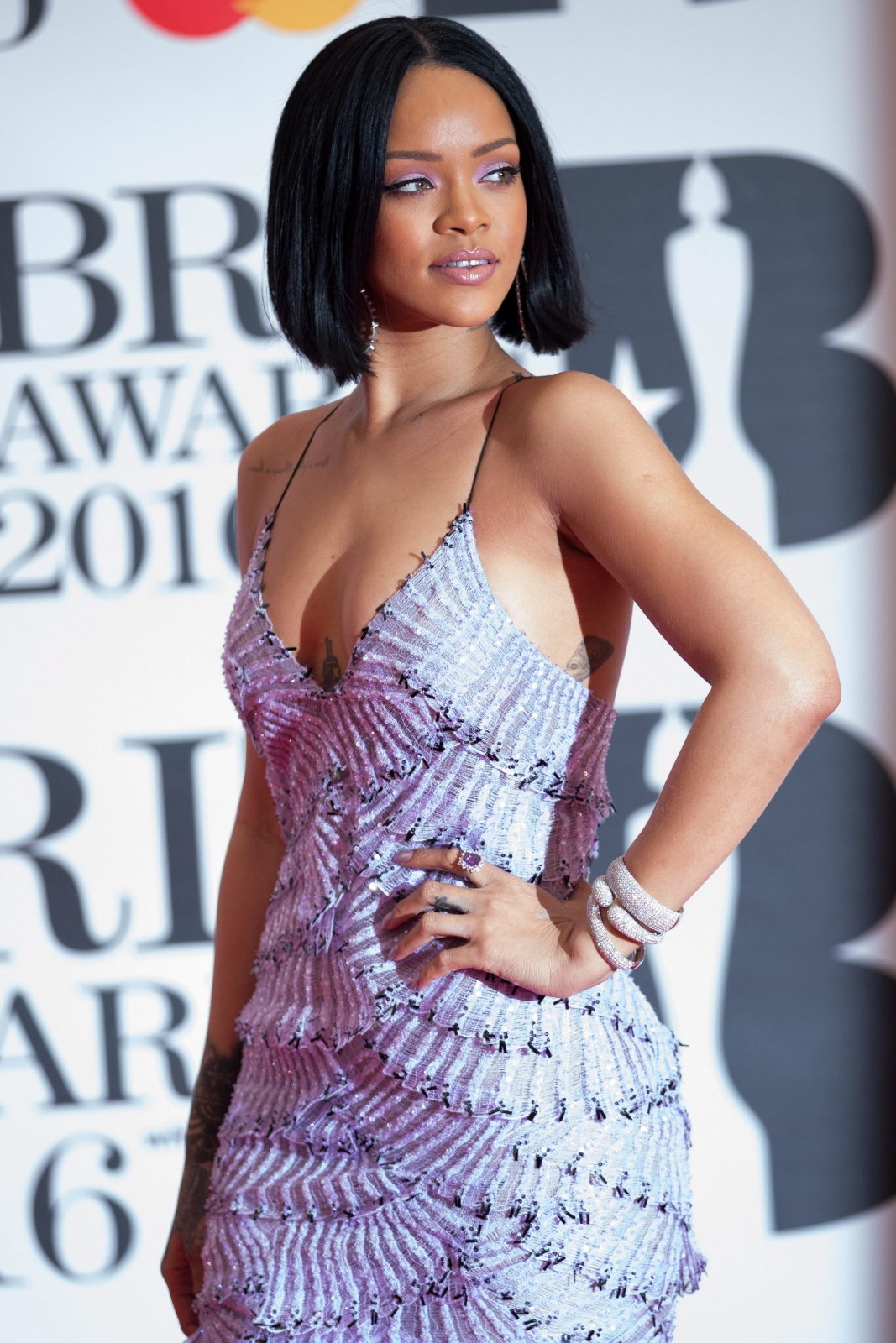 Rihanna na gali Brit Awards 2016