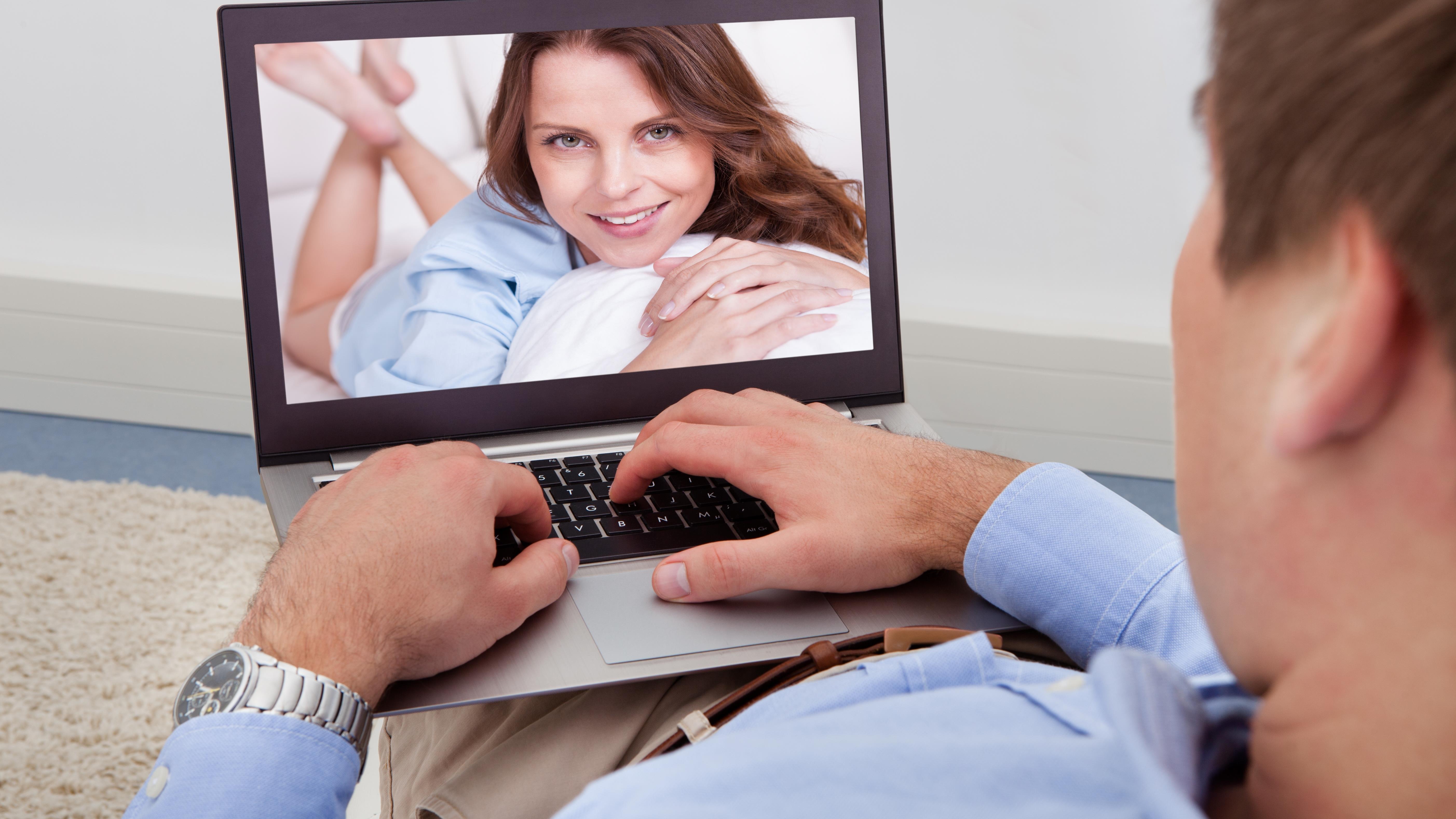 Jak dowiedzieć się, czy twój małżonek ma profil randkowy