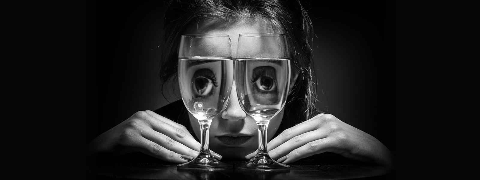 Spotyka się z pijanym mężczyzną