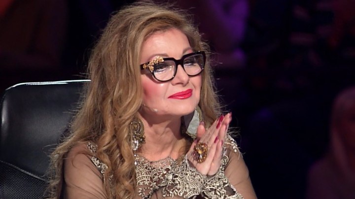 KAO DA JOJ JE DVADESET GODINA: Danica Maksimović se u sedmoj deceniji skinula u kupaći i ZALUDELA sve, da li je ovo realno?! (FOTO)