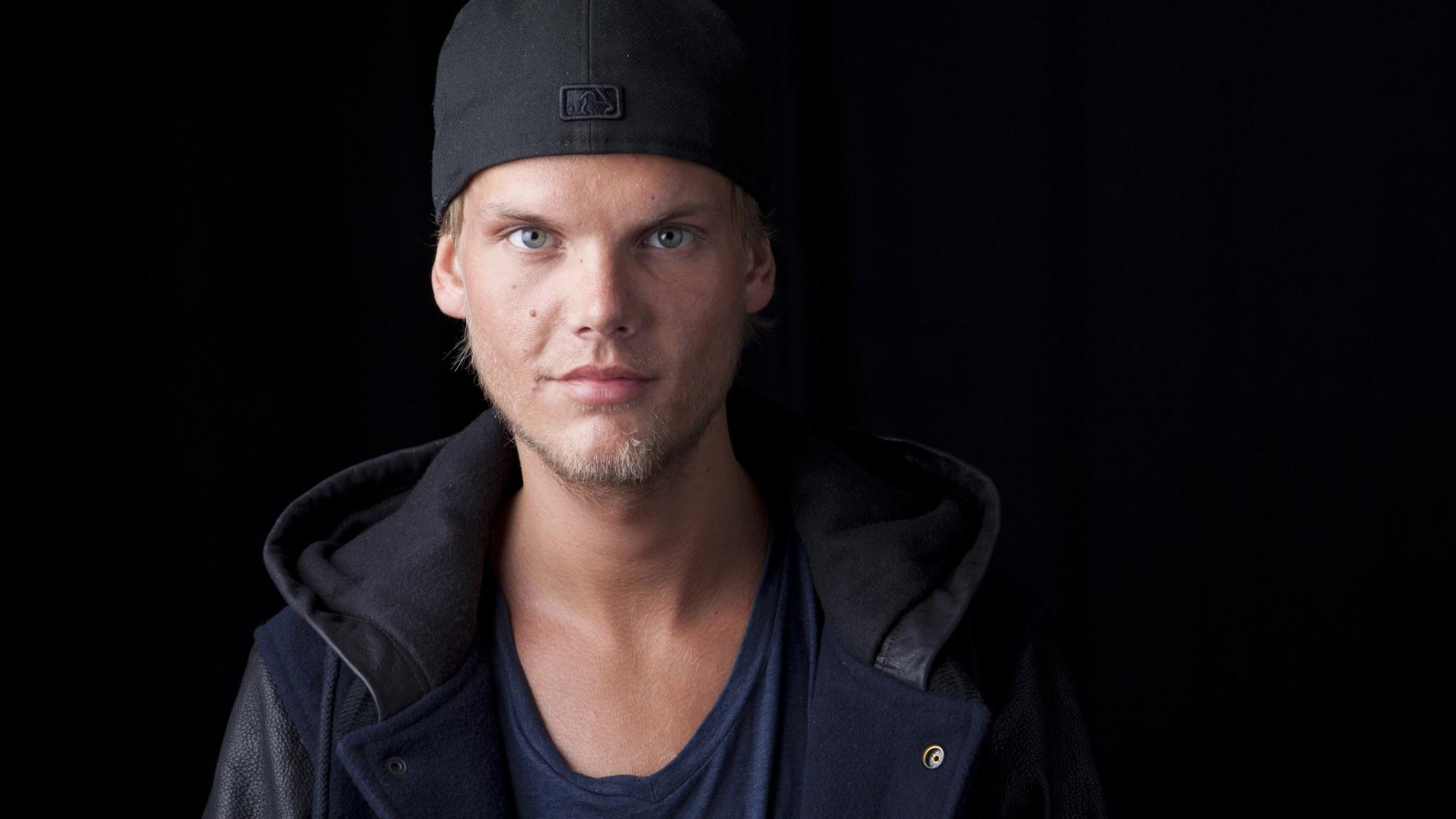 """Neuer Song von verstorbenem DJ Avicii: """"SOS"""" mit Aloe Blacc"""