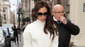 Victoria Beckham w swetrze i wełnianej spódnicy, nadal stylowa?
