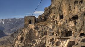 Skalne monastyry w Europie - architektura wpisana w krajobraz