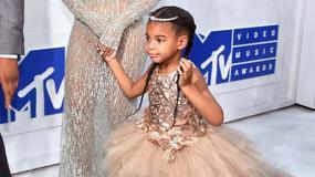 Jaka mama, taka córka. Beyonce i jej córeczka Blue Ivy noszą bardzo podobne stylizacje