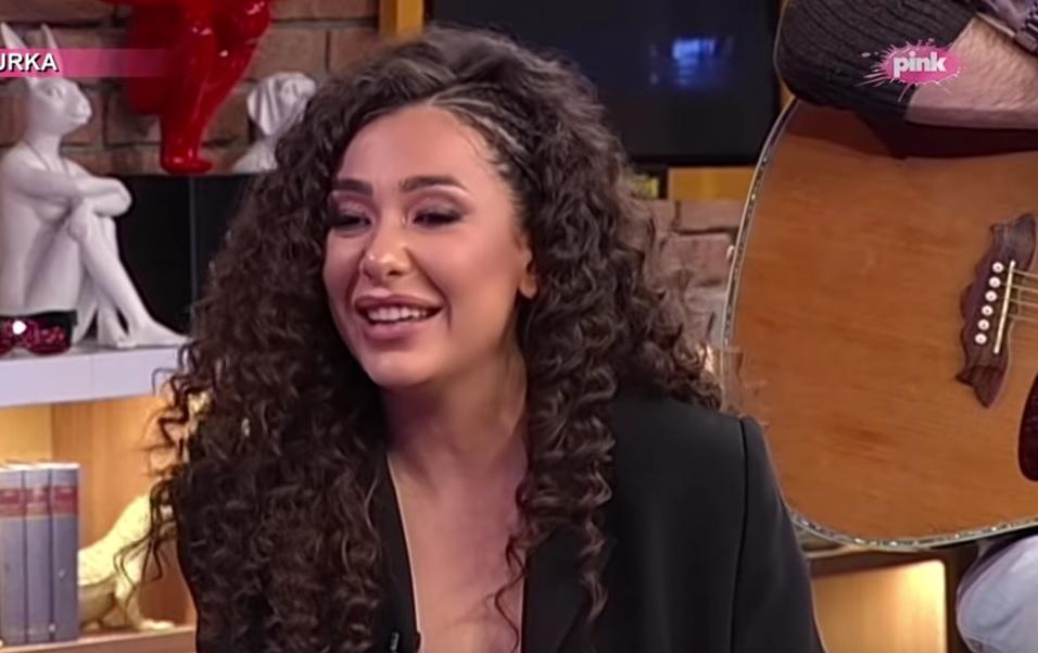 """Sanja Vučić iz benda """"Hurricane"""" je nasledila talenat od mame koja je PEVAČICA: Evo kako ona izgleda!"""
