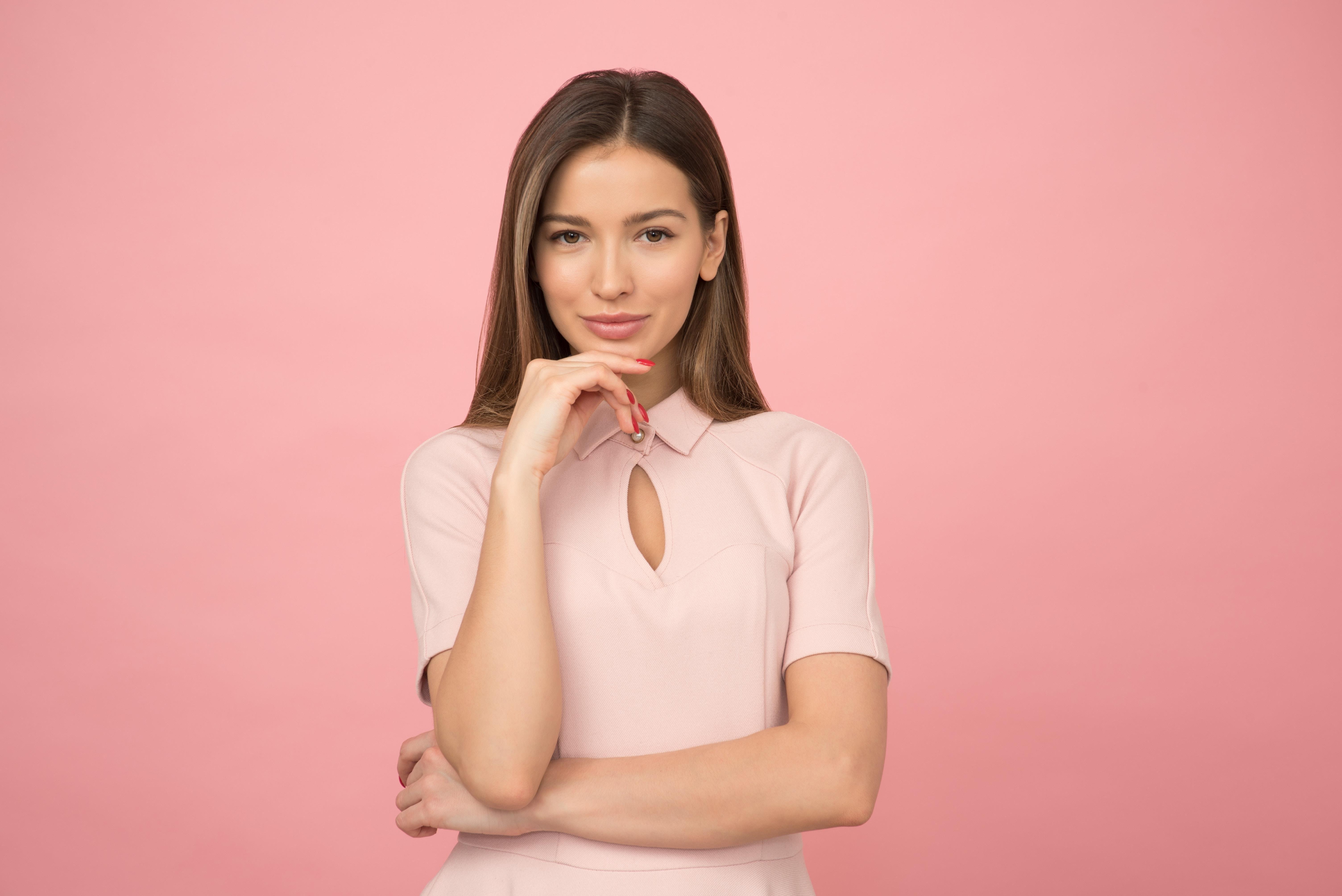 6efe1c88599ba2 Biznesowy dress code na lato: trendy modowe w pracy - Moda - Newsweek.pl