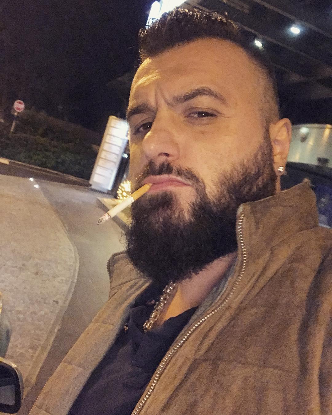 SKANDALOZAN SNIMAK ZAPALIO INTERNET: Buba Koreli zgranuo, pokazao kako TUKU MOMKA NASRED ULICE! (VIDEO)