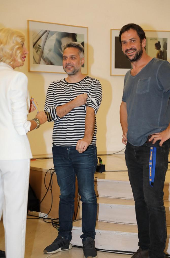 Goran Bogdan sa Srdanom Golubovićem i Sandrom Perović na premijernom emitovanju prvih epizoda