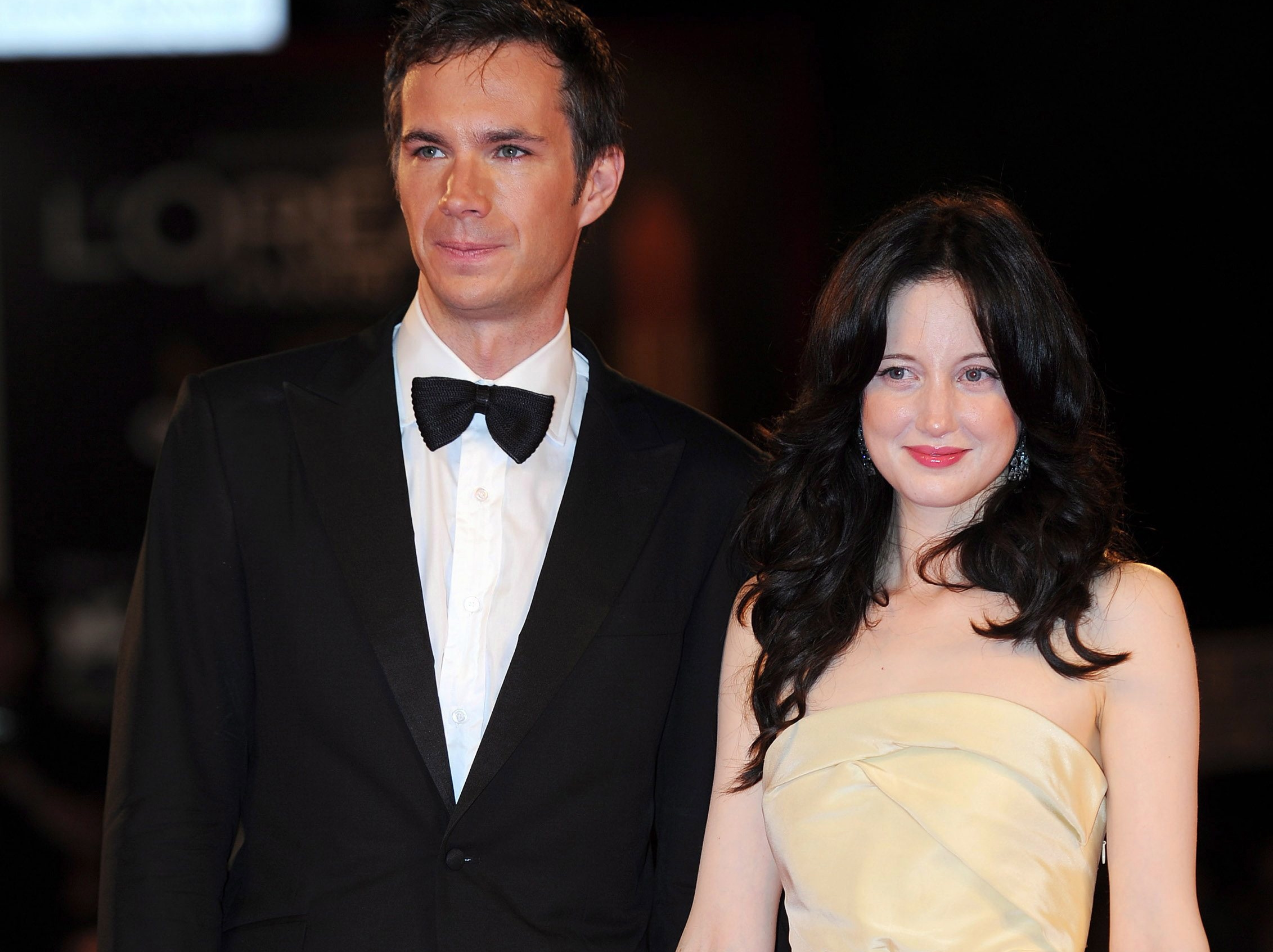 Andrea Riseborough i James D'Arcy