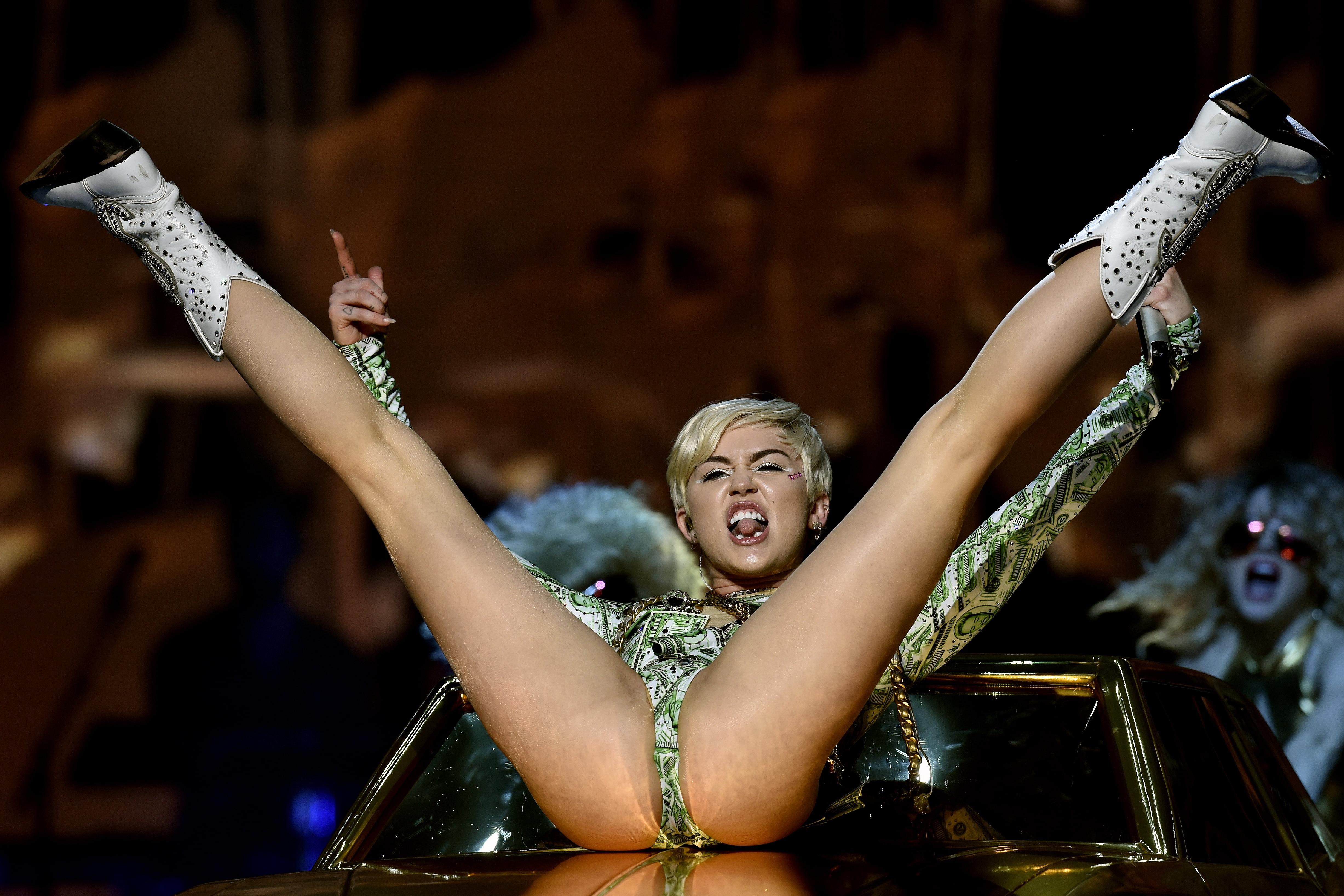 Photos That Show Miley Cyrus Wild Fashion Evolution