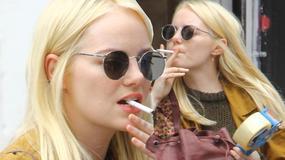 Emma Stone w stylowym płaszczu na ulicy. Piękna?