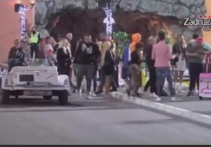 BILO JE VRLO NEIZVESNO! On je sinoć napustio ZADRUGU 4! Neki su RONILI SUZE dok su ga ispraćali (VIDEO)