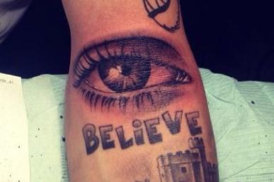 Justin Bieber Wytatuował Sobie Oko Mamy Na Ręce