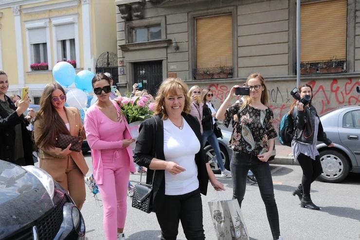 """""""Biće pogača i so, pile sa glavom"""": Bogdanina majka ispričala sve detalje o darivanju unuka!"""