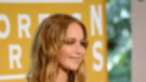 Głęboki dekolt Jennifer Lawrence - wspaniały!