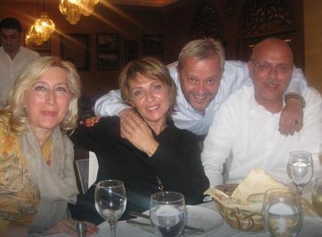 Vesna Trivalić sa kolegom Emirom Hadžihafisbegovićem i suprugom Nenadom