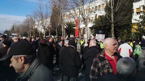 Protest ispred Skupština Crne Gore