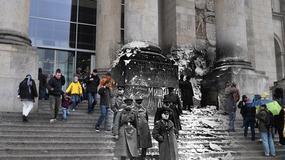Współczesne zdjęcia z wojną tle