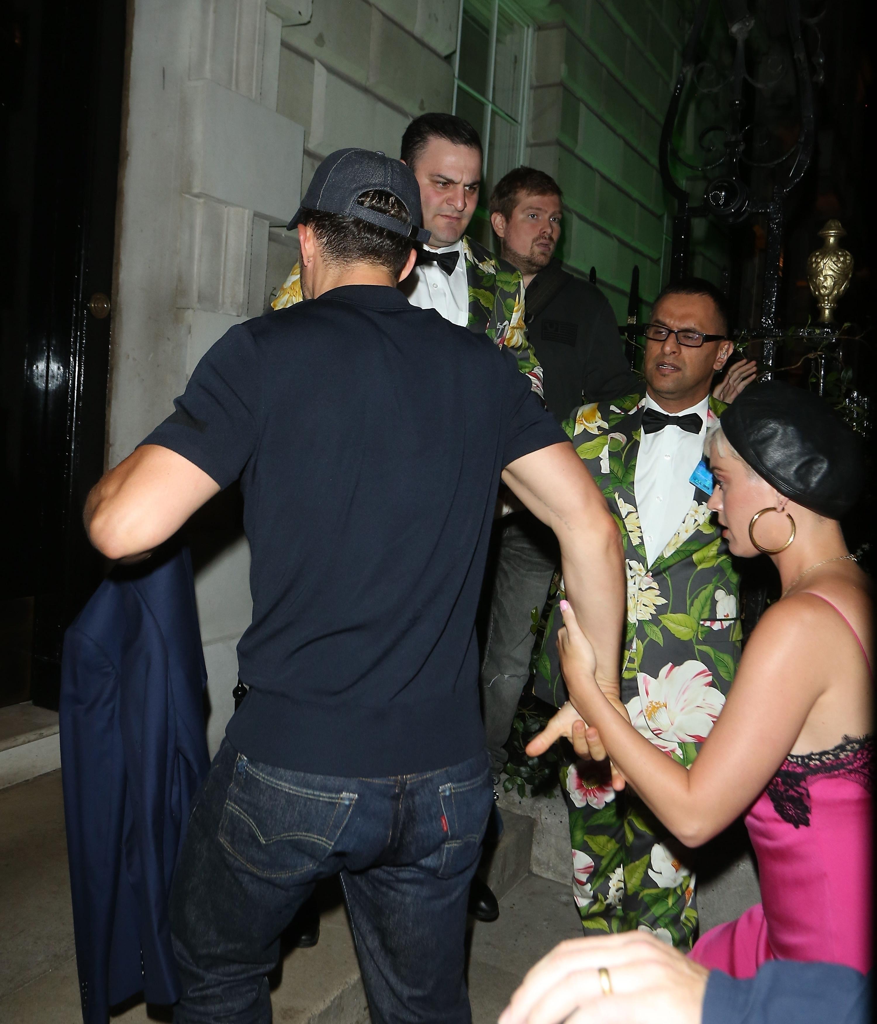 z kim teraz spotyka się Katy Perry z kim Justin Bieber spotyka się w kwietniu 2014 roku