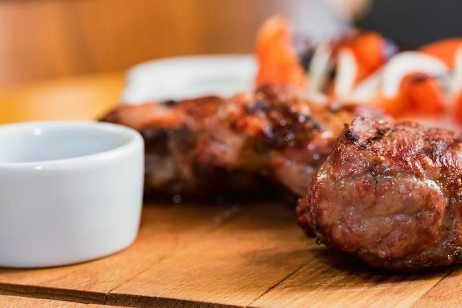 Evo ukusnog recepta za šnicle od svinjskog vrata