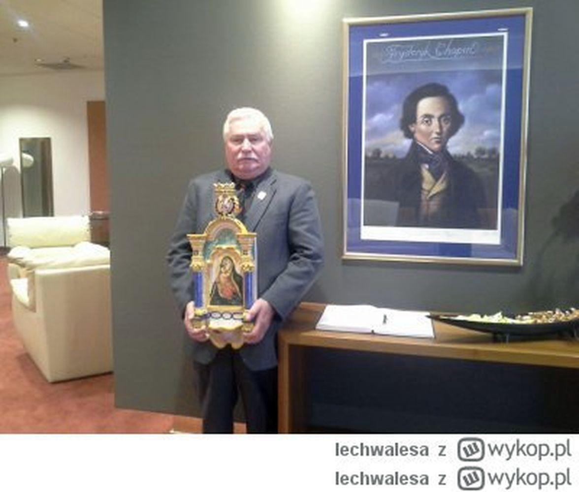 Perypetie Byłego Prezydenta Wałęsa Uratował Matkę Boską Z