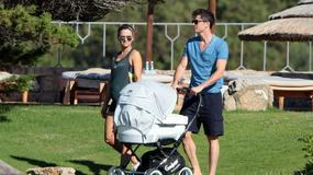 Anna i Robert Lewandowscy z córką na wakacjach na Sardynii