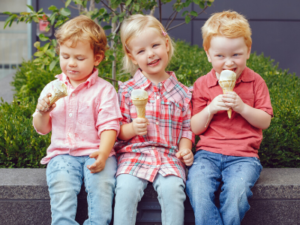 Naučite dete da sladoled jede polako