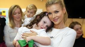 Joanna Krupa odwiedza chore dzieci