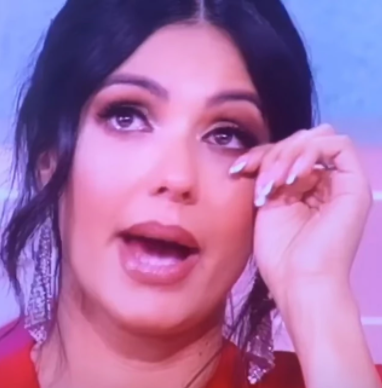 """""""NADALA SAM SE POMIRENJU, NISAM VEROVALA DA ĆE OVO DA MI URADI"""" Tanja Savić ronila suze dok je pričala o užasu kroz koji prolazi!"""
