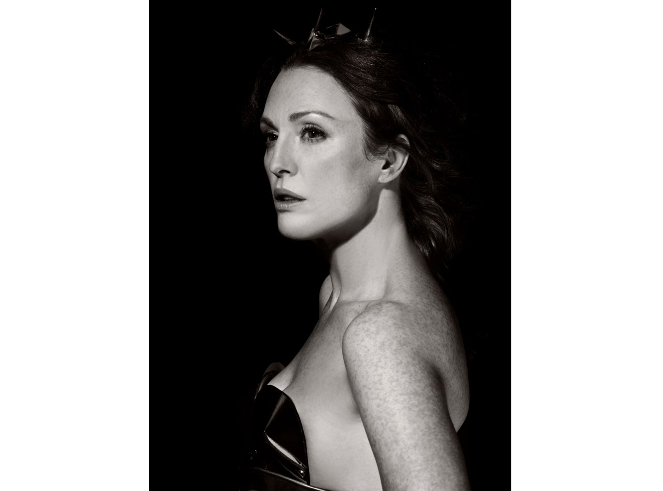 HERA - Julianne Moore