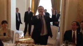(FOTO, VIDEO) Gde je sve i kome pevao Dačić