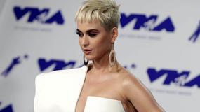 Katy Perry w kreacji z głębokim dekoltem na MTV Video Music Awards
