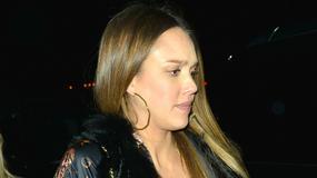 Ciężarna Jessica Alba zabrała córki na show. Krągłości aktorki są już naprawdę spore