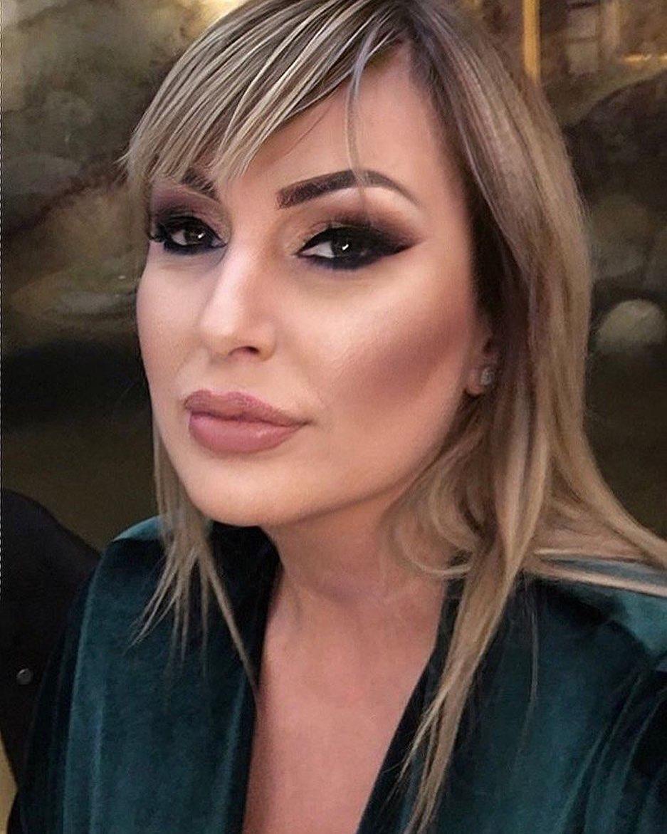 Elma Sinanović ima ćerku kojoj je dala NEOBIČNO ime: Sada je sa njom snimila duetsku pesmu i svi kažu da je naslednica prava LEPOTICA!