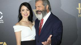 Brodaty Mel Gibson z 26-letnią partnerką