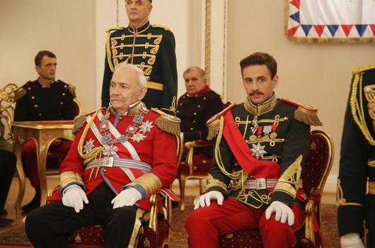 Kralj Petar (Miodrag Milovanov) i Aleksandar I Karađorđević (Mihajlo Jovanović) u seriji