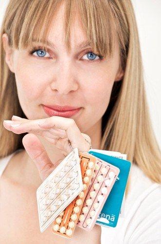 Dešava se da posle upotrebe hormonalne kontracepcije neke žene izgube menstruaciju na kraći period (postpilularna amnenoreja), ali to su retki slučajevi i najčešće se regulišu bez problema