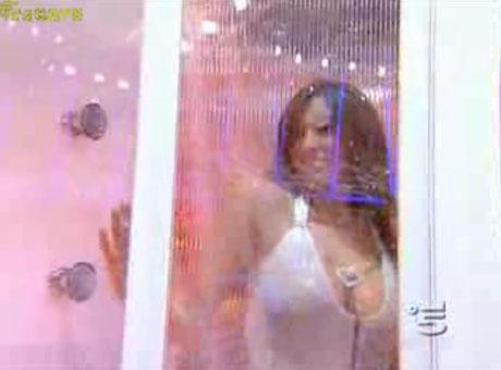 Dziewczyny pod prysznicem